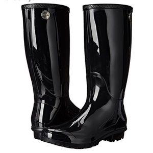 UGG Shaye Rain boot with Box